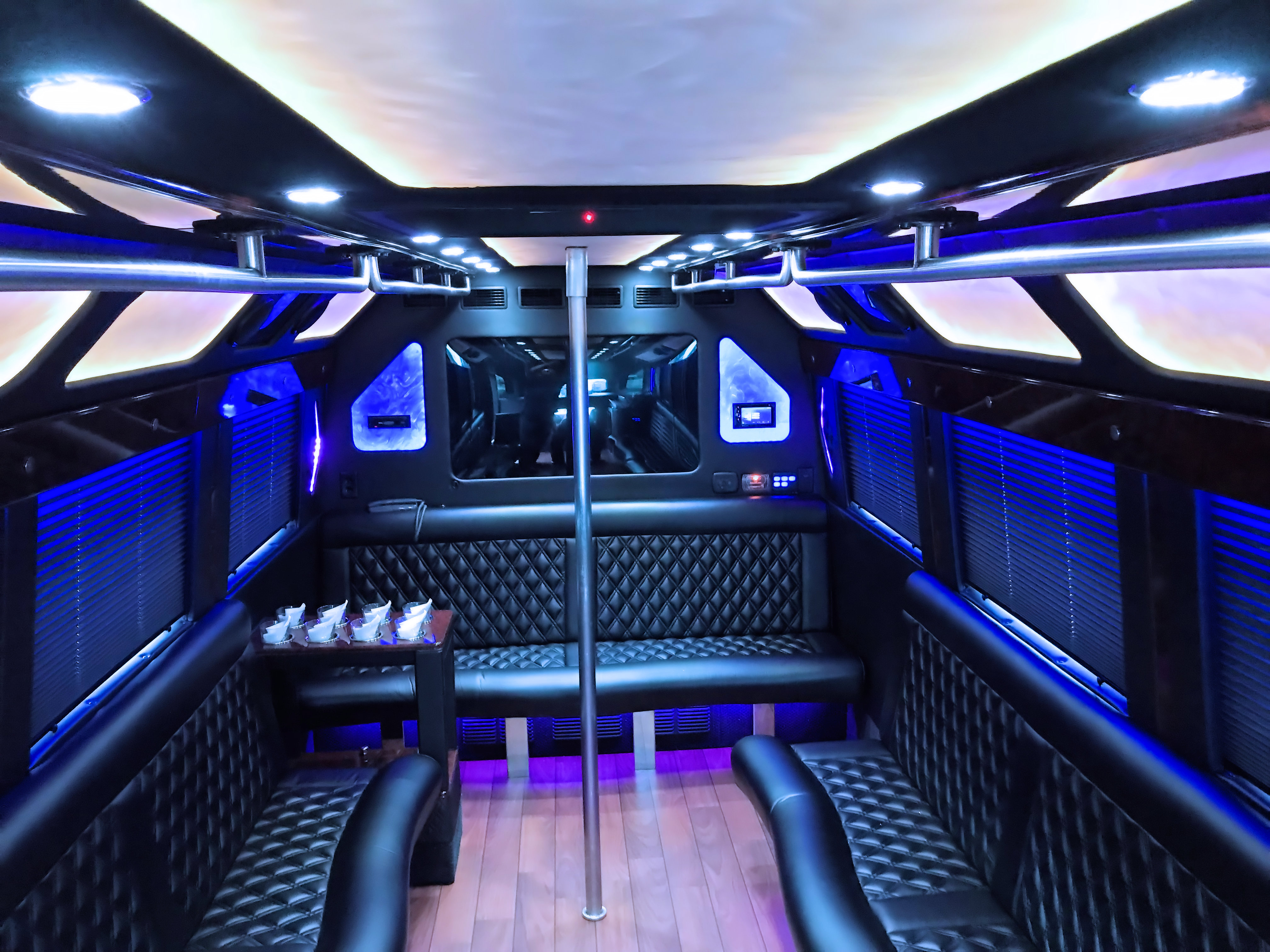 Limousine For Sale >> Reston Coach Charter Bus Shuttle & Limo Photo Gallery